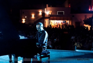 Accursio Cortese performing at Piano