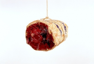 Claes Oldenburg, Roast Beef, 1961, enameled meslin on plasters and metallic structure  <br /> cm 35x43x40, c. Sonnabend Collection, New York, on show at Ca' Pesaro<br />
