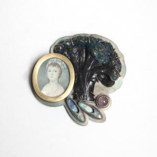 Barbara Paganin, Memoria Aperta n.11, 2011-2013<br /> oxidate silver, miniature on ivory, glass, tourmaline, cabochon, golden<br /> Picture: Alice Pavesi Fiori<br />