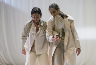 L'incontro by Raffaella Giordano/Maria Munoz (courtesy Andrea Macchia)