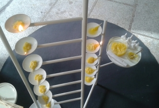 Airbnb and Fabrica: candles of ghee (Indian butter) and cotton sticks by Nikita Bathe (courtesy picture pr/undercover)