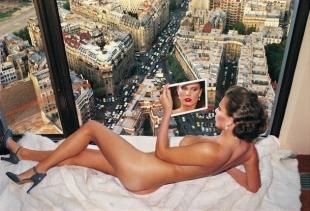 Helmut Newton, Bergstrom over Paris, 1976 (Casa dei Tre Oci)