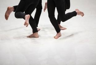 La Ronde, Yasmine Hugonnet, Picture A.L. Lechat