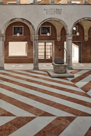 Fondaco: the ground zero court, a space for events (from the book by Electaarchitettura, courtesy the publisher; ph. Alessandra Chemollo)