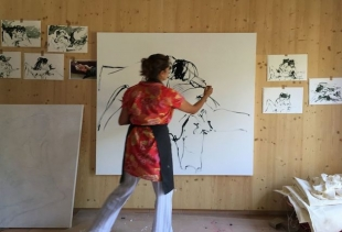 Tracey Emin, Action Painting 2015 France, courtesy Performa