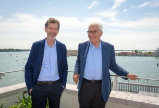 Ralph Rugoff (left) and Paolo Baratta (right)