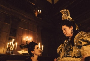 A still from the movie The Favourite (Yorgos Lanthimos)