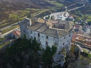 Castello di Pescolanciano (Molise) courtesy Cristian Perrella
