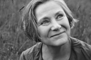 Mariangela Gualtieri, ph. Melina Mulas (Theatre Biennale)