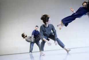 Nader Campos, Time Takes The Time Takes, ph. Alfred Mauve (Dance Biennale)