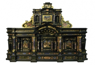 Atelier bavarese (?) Stipo architettonico Legno, pietre dure ecc. Prima metà sec. XVII<br />