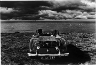 Gianni Berengo Gardin, Normandia 1965, Courtesy l'autore per gentile concessione per diritto di cronaca dalla Casa dei Tre Oci